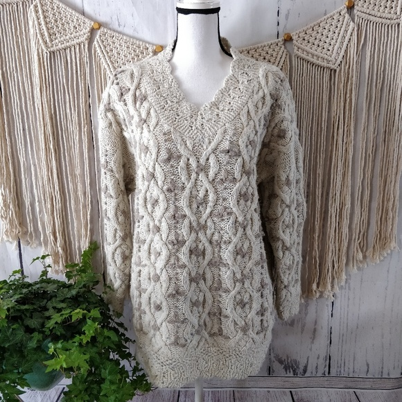 Express Tricot Other - Express Tricot Vintage Cream Knit Sweater M
